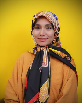 زهرا مقیم خان
